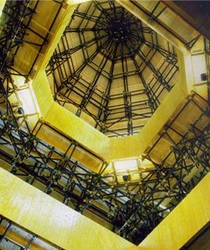 Teatro del Mondo en la Bienal de Venecia 1979 | Aldo Rossi | Planta + sección + axonometría + dibujos