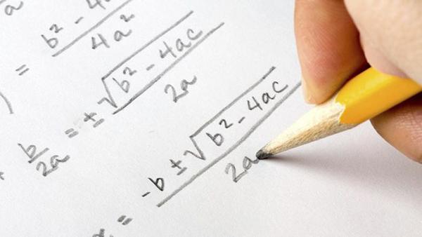 موقع لحل المعادلات و المسائل الرياضية مع شرح الخطوات المتبعة
