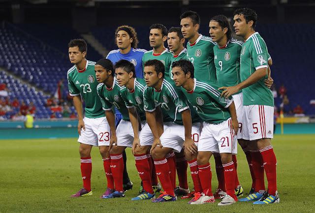 Formación de México ante Chile, amistoso disputado el 4 de septiembre de 2011