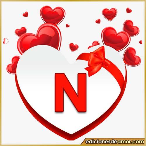 corazones volando con letra N