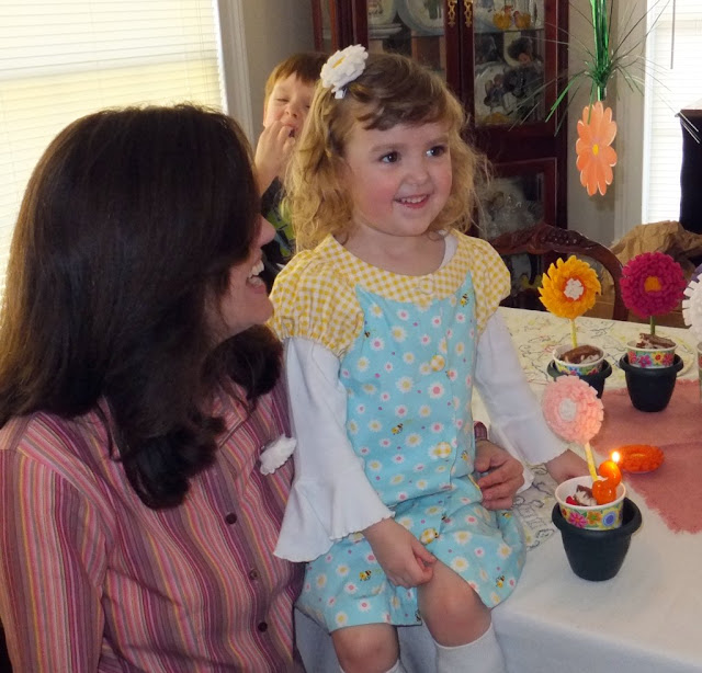 sewVery: A Beautiful Flower Party for Ella