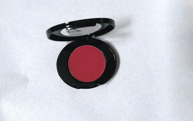 No7 Berry Crush Blusher | www.yvonnedzifa.com
