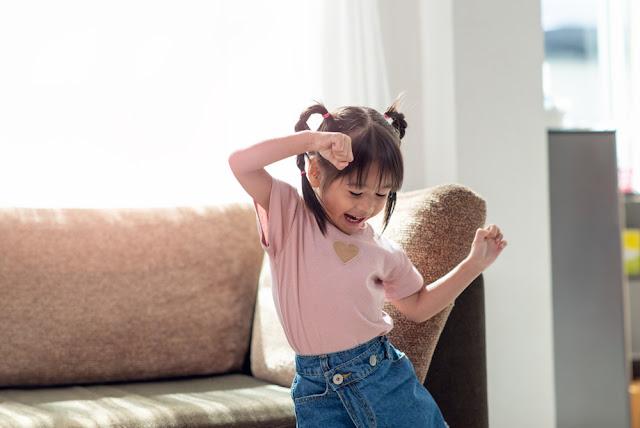 Sarana Anak Menari Dengan Gembira