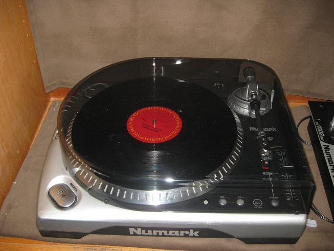 the parker 39 s blog sale 225 numark tt200 record player turntable with all cords new cartridge. Black Bedroom Furniture Sets. Home Design Ideas