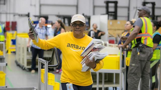 Amazon A To Z Employee 5
