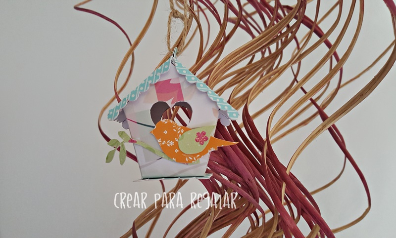 casita de pajaros con papel scrap