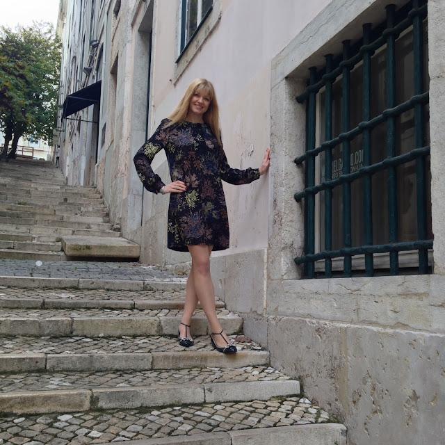 What Lizzy Loves, steps in Baixa, Lisbon
