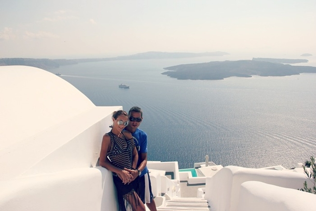 best Santorini hotels for couples