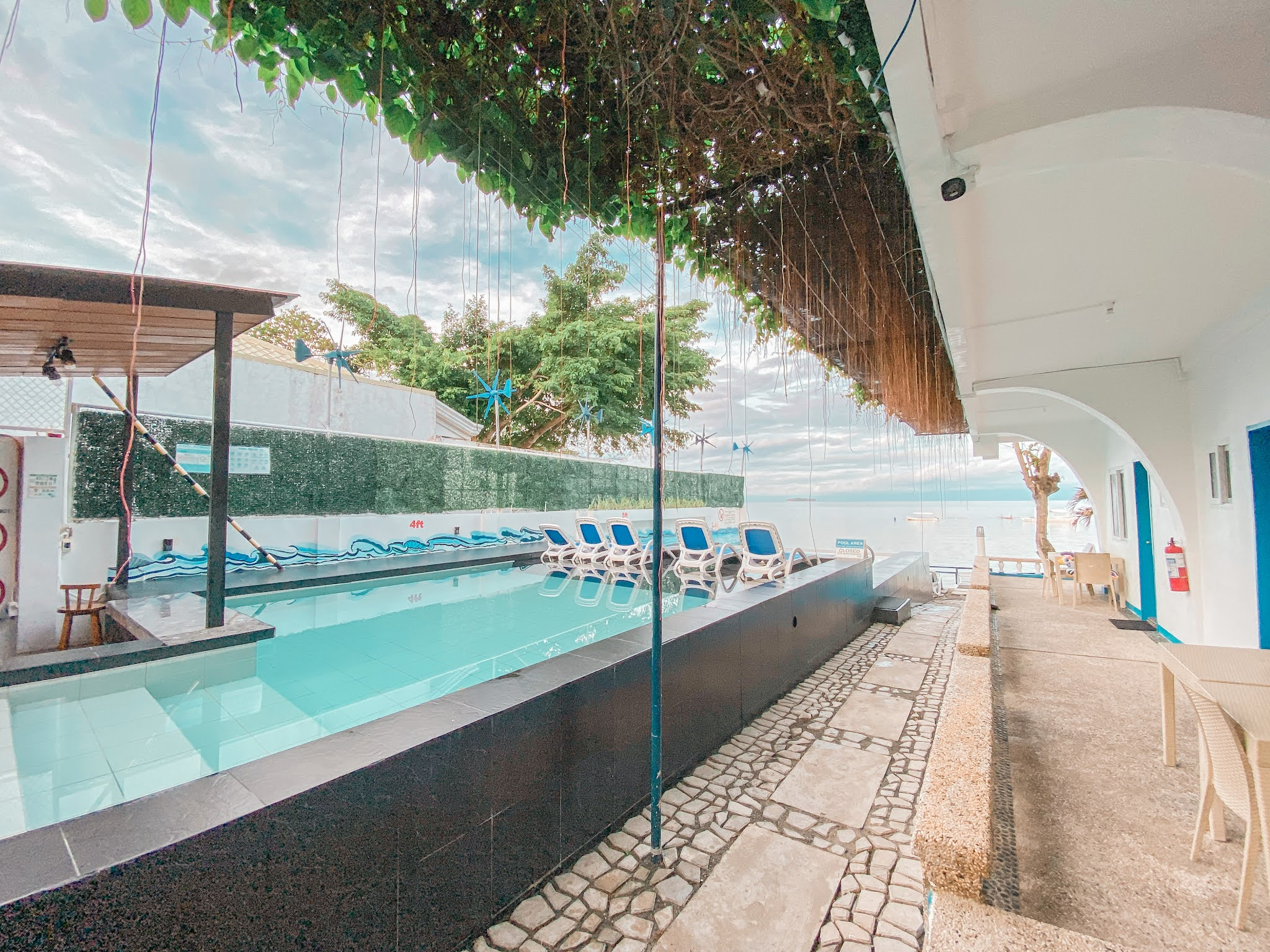 Staycation Series: Pescadores Seaview Suites in Moalboal, Cebu