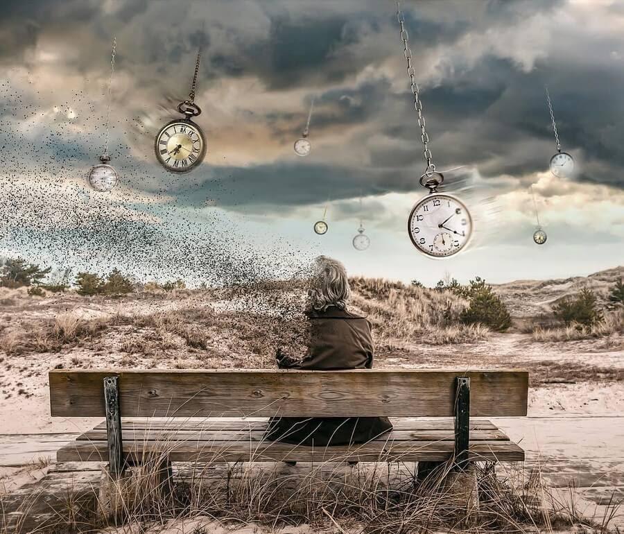 02-Time-never-stands-still-Hüseyin-Şahin-www-designstack-co