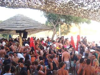 Αποθέωση: Αυτή η παραλία είναι η Μύκονος της Πελοποννήσου!!!