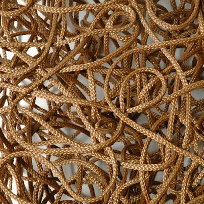 Diseño de mesa con cuerdas