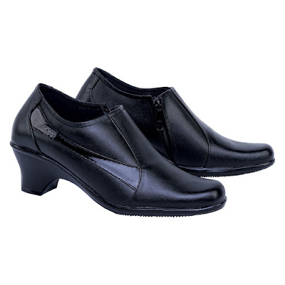 Sepatu Pantofel Boot Wanita Catenzo US 025