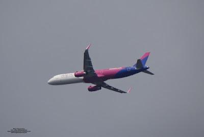Airbus A321-200, HA-LTA, Wizz Air