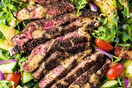BEST STEAK SALAD WITH CREAMY BALSAMIC VINAIGRETTE