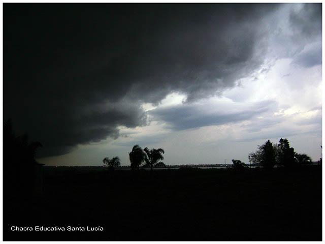 se viene la tormenta-Chacra Educativa Santa Lucia
