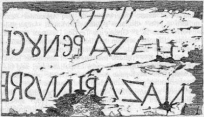 titulus escrito de derecha a izquierda