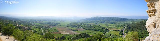 Vista panoramica mozzafiato sulla valle della Vaucluse