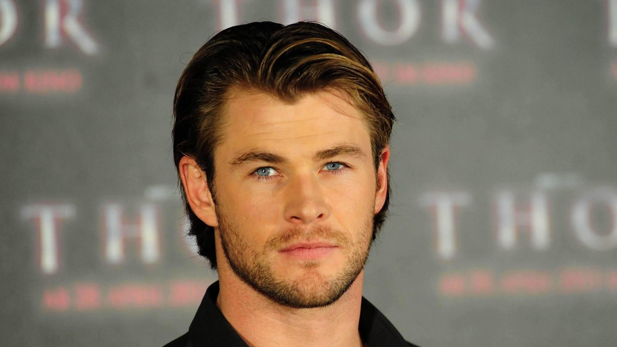 Chris Hemsworth look