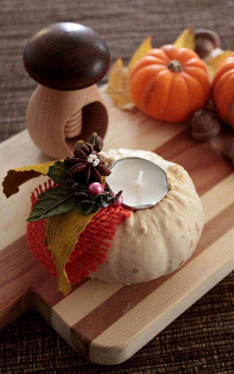 decorare-la-tavola-con-zucche-e-candele-tutorial