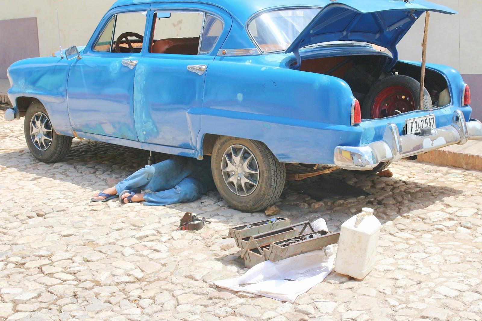 Mécanicien de rue, Trinidad - Cuba