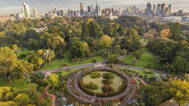Melbourne Gardens and Days Gone