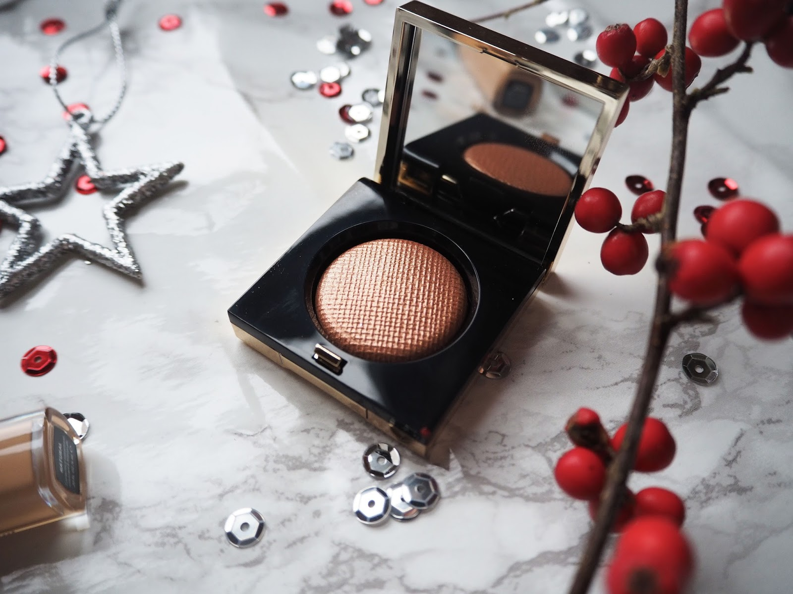 A Christmas Make-up Look With Bobbi Brown // Heat Ray Luxe Eye Shadow Rich Metal // Beauty Post // Lauren Rose Style
