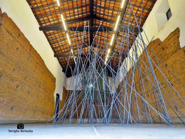 Vista artística de exposição na Capela do Morumbi - São Paulo