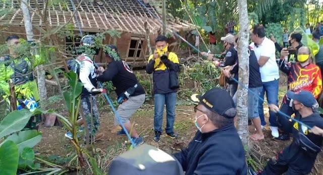 Yonarmed 13 Kostrad Bangun Rumah Jompo Tuna Netra Di Sukabumi