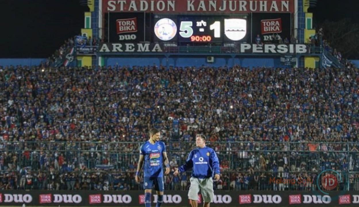 Arema FC Bungkam Persib Bandung 5-1