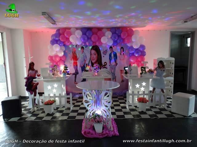 Decoração de aniversário Violetta - Mesa decorativa provençal simples para festa feminina