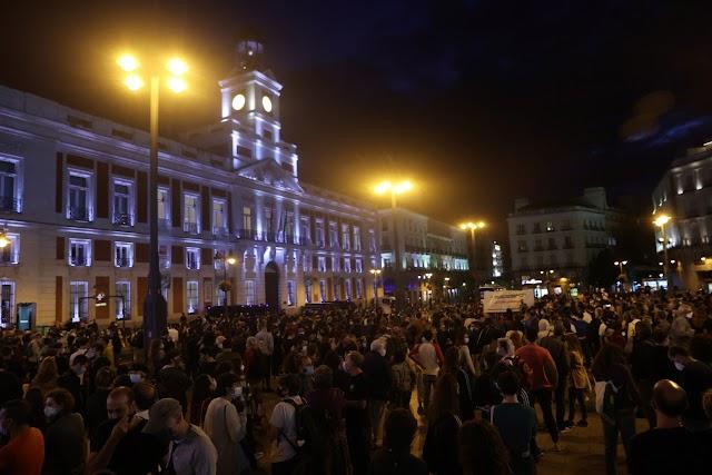 Tüntetésekkel tiltakoznak a korlátozások ellen a madridi autonóm tartomány több zónájában