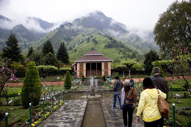 chashme shahi garden mughal srinagar india
