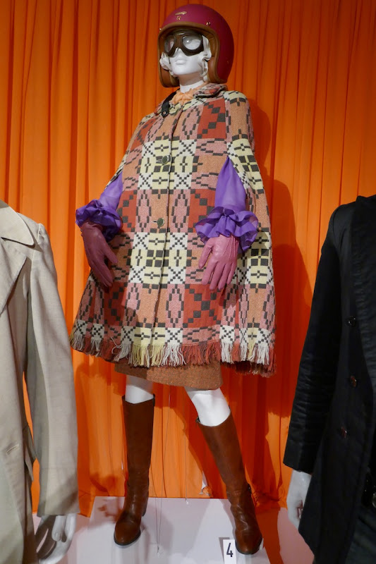 Miranda Richardson Good Omens Madame Tracy costume