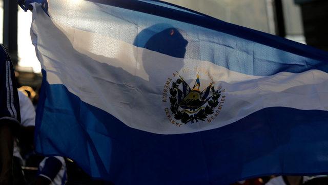 EUA vão encerrar proteção temporária para mais de 250 mil salvadorenhos