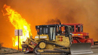 Wildfire Threatens Hundreds of Homes North of Los Angeles