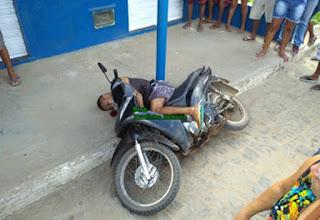 Homem é assassinado com mais de 10 tiros no centro de Buerarema