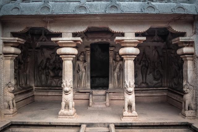 Sculptures dedicated to Hindu deities