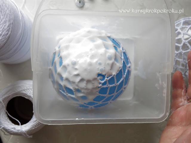 Jak usztywnić bombki 3D, dzwonki, gwiazdki i świąteczne ozdoby szydełkowe? - krok po kroku