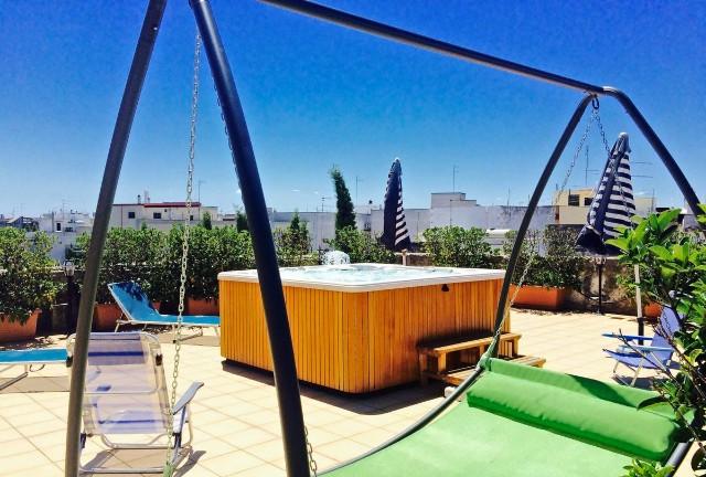 offerte-castello-conti-filo-resort-idromassaggio-esterno-poracci-in-viaggio