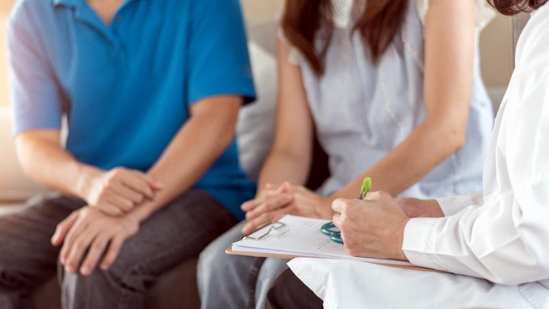 ماهي علامات نجاح عملية دوالي الخصية؟ الجراحة الميكروسكوبية وعلامات نجاح عملية دوالي الخصية. متى تختفي دوالي الخصية بعد العملية؟ ومتي يظهر التحسن؟
