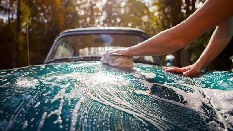 Cara Menjaga Bodi dan Kaca Mobil Tetap Mengkilap