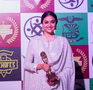 Keerthy Suresh Techofes Awards 2018