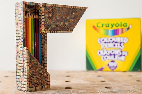 пенал из цветных карандашей