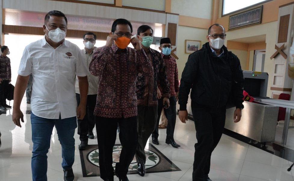 Kapolda Jambi Beserta Jajarannya Siap Jalankan Maklumat Kapolri