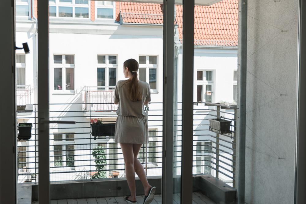 Wohnung-Einrichtung-grosse-Fenster