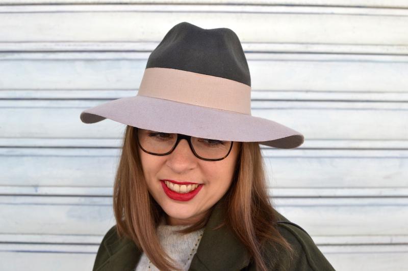 rouge à lévre Chanel, chapeau venant de La boutique à Chapeau sur Bordeaux