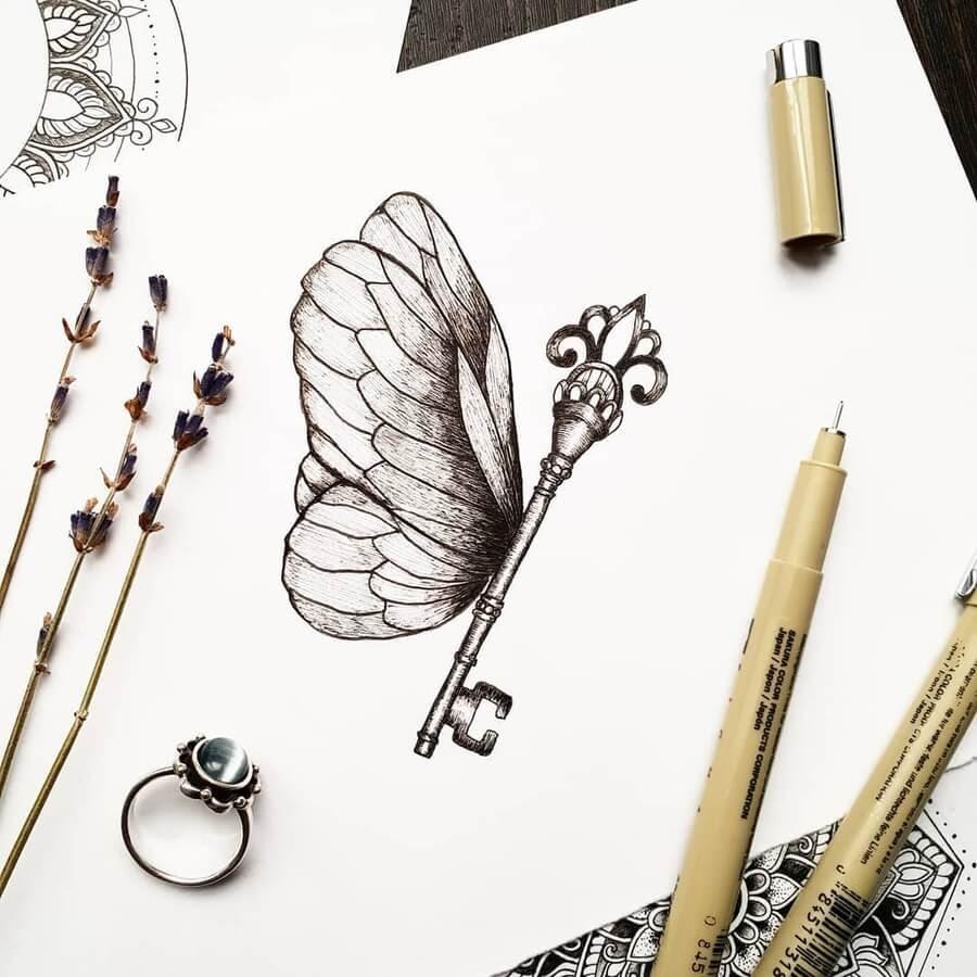 09-Butterfly-key-Marina-Tim-www-designstack-co