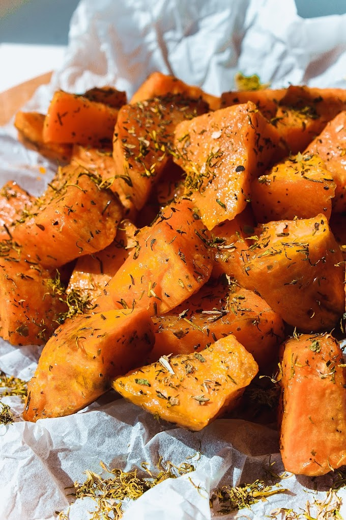 Air Fryer Sweet and Spicy Roasted Carrots