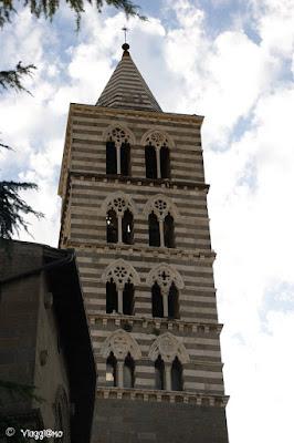 Il campanile bicolore del Duomo di Viterbo